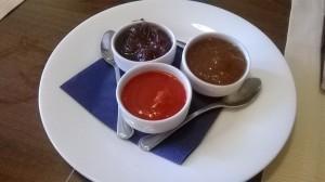 Le confetture da abbinare ai formaggi: peperone, cipolla, cotognata.