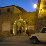 L'arco d'accesso al borgo