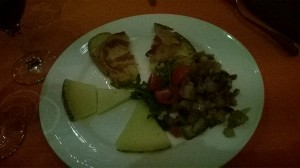 L'antipasto: zampanella, dadolata di verdure, formaggio