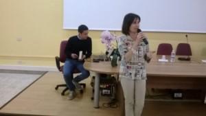 Marina De Marco presenta Viteliù. Sullo sfondo, Francesco De Santis