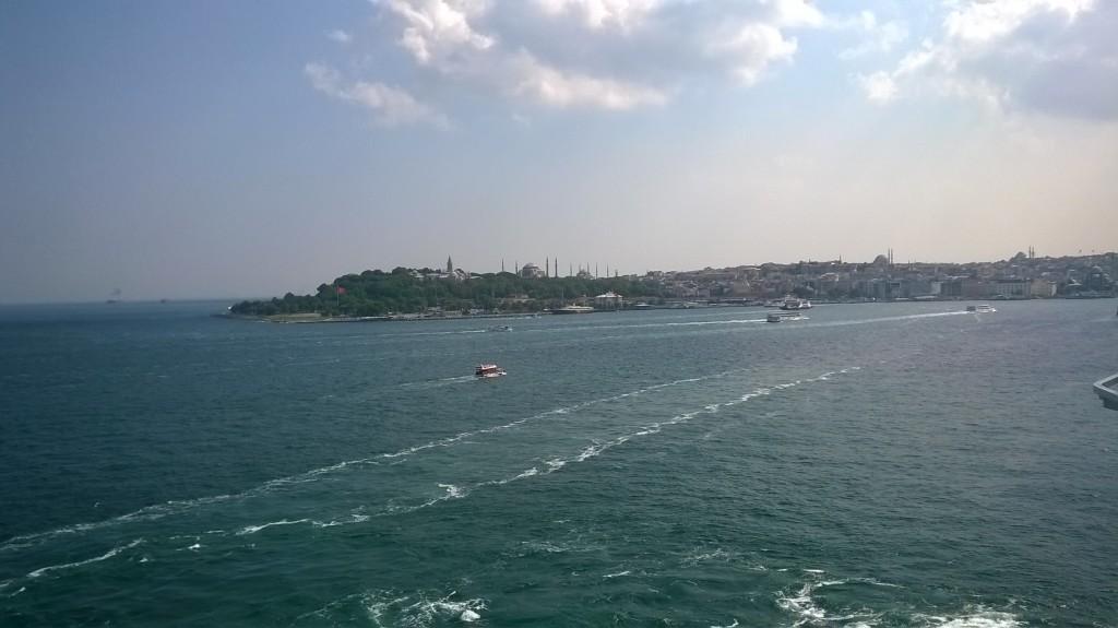 Istanbul vista dal mare