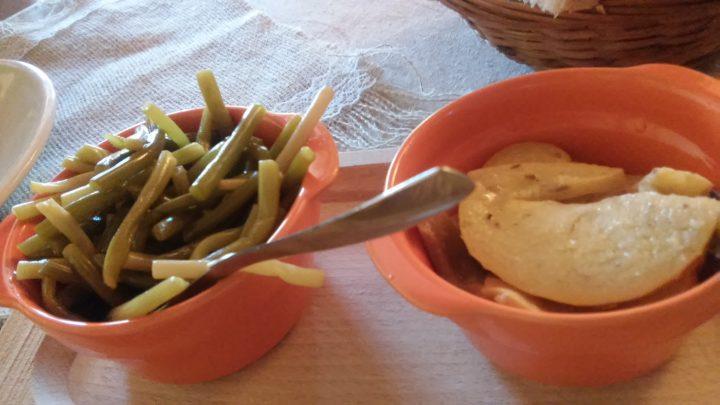 Zolle d'aglio e cachi sott'olio