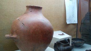 """I """"vasi del contatto"""" fra vivi e morti al Museo Sannitico di Alfedena"""