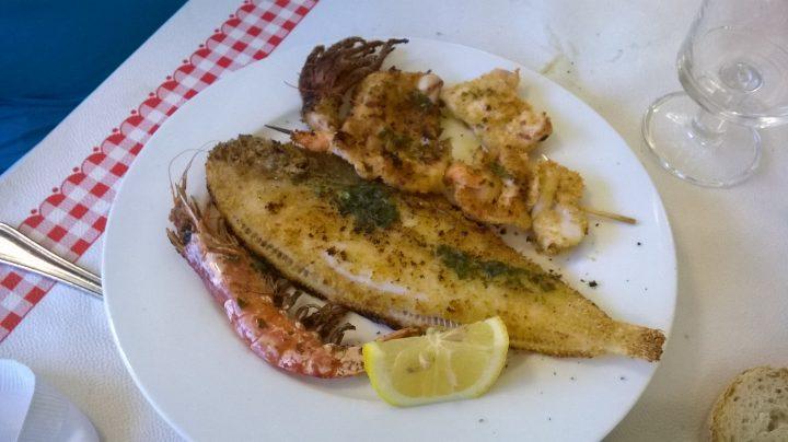 La grigliata di pesce di La fattoria della nonna a Roseto