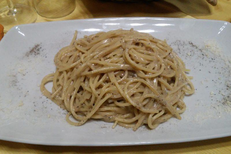 Il ristorante Cacio e pepe da Massari a Scoppito (AQ)