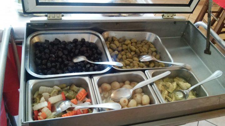 Particolari dal buffet del ristorante Il portichetto di L'Aquila