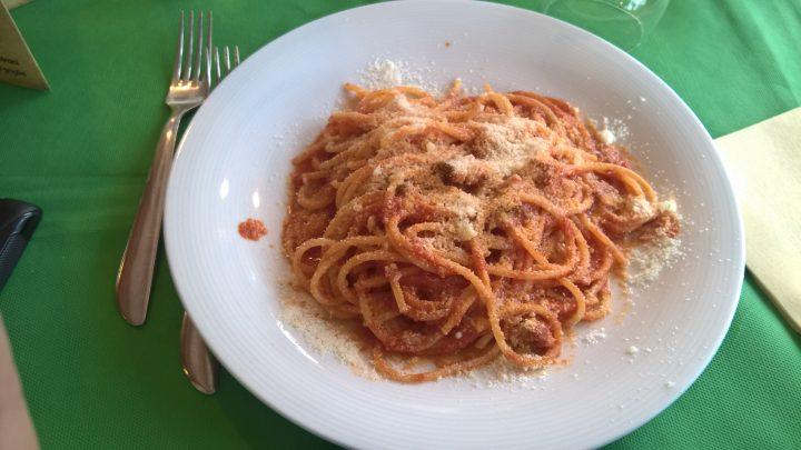 Spaghetti all'amatriciana da Straccale