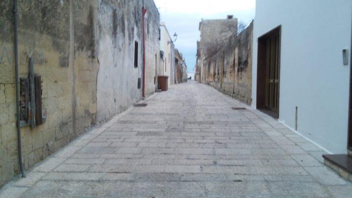 Le stradine deserte di Acaya