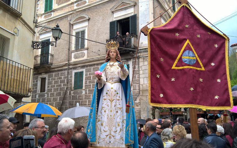 La Madonna che vele a Introdacqua